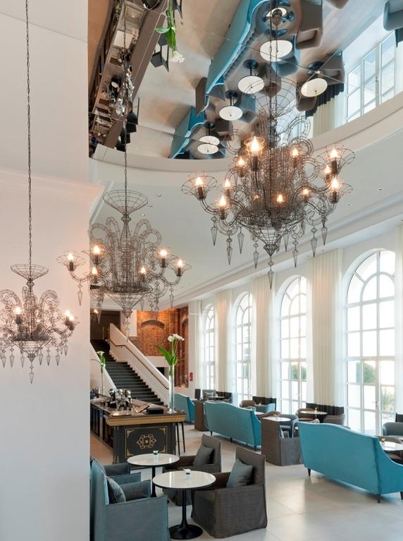 Conversion des anciennes cures marines en un hotel 5 for Salon 5 etoiles